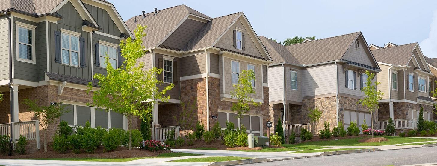 Streetscape of homes at Sterling on the Lake, the Hillcrest.